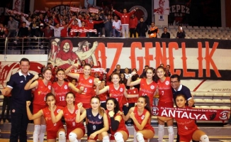 Filenin Akreplerinde hedef play- off